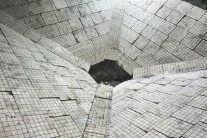 【案例】江苏某钢厂圆辊布料机和料仓料斗三合一耐磨陶瓷衬板安装项目