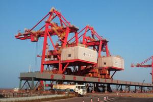 【案例】某港口卸船机分叉料斗ZTA陶瓷衬板安装项目