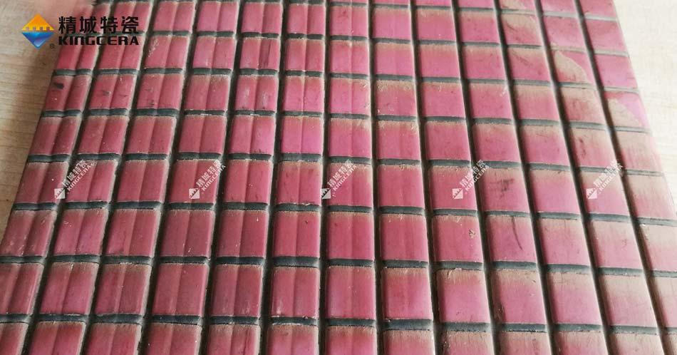 精城耐磨陶瓷衬板在圆筒混合机中的应用及效果